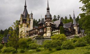 A Castle Stop in Sinia